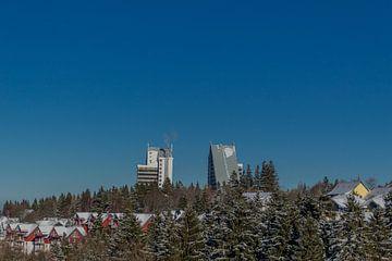 Winterse sfeer boven de wintersportplaats Oberhof van Oliver Hlavaty
