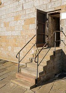 oude strap voor de ingang van een oud gebouw het kasteel van bad bentheim