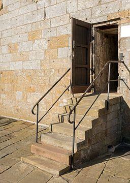 oude strap voor de ingang van een oud gebouw het kasteel van bad bentheim von Compuinfoto .