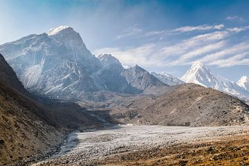 Khumbu vallei, Lobuche en Pumori van maarten van der Wilt