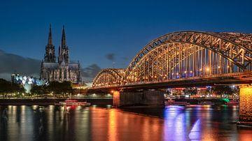 Köln am Abend von Achim Thomae