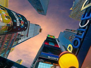 Wolkenkratzer am Times Square von Kurt Krause