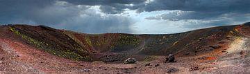 Krater van de Etna op Sicilië van Rietje Bulthuis