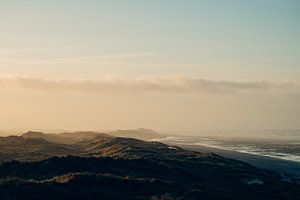 Landschap met de zee,  het strand, duinen en wolken op Terschelling