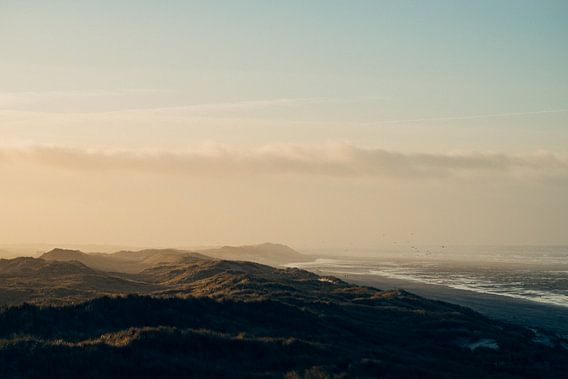 Strand en duinen op Terschelling van Alex Hamstra