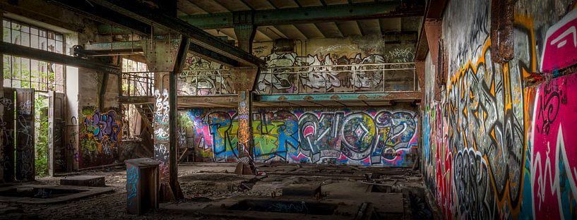 Graffiti in einer Mine aus dem 19. Jahrhundert von Jarno Boks