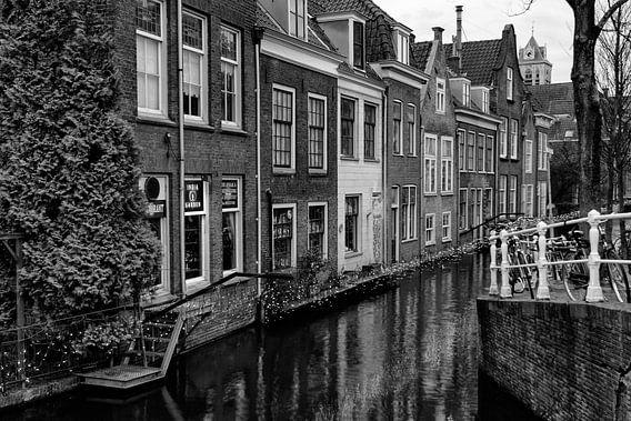 Herenhuizen aan de Voldersgracht in Delft, Nederland