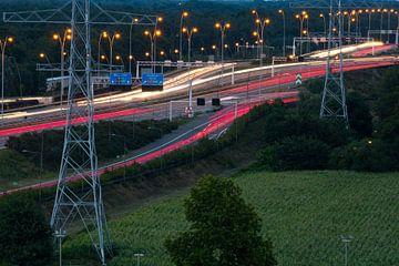 Geschwindigkeit auf der Autobahn. von Berend Kok