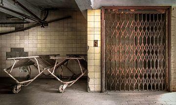 Aufzug in einer verlassenen Sirupfabrik von Olivier Van Cauwelaert