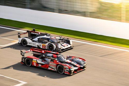 Audi R18 e-tron quattro en Porsche 919 Hybrid race auto's