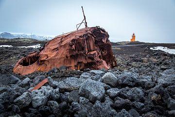 Scheepswrak in IJsland van Julian Buijzen