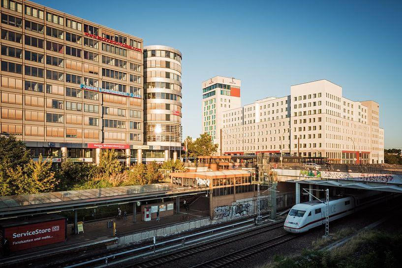 Berlin – Forum Landsberger Allee / andel's by Vienna House Berlin van Alexander Voss