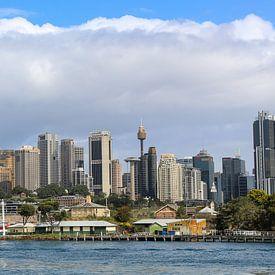 Sydney Skyline met zicht op de Circular Quay van Marcel van den Bos