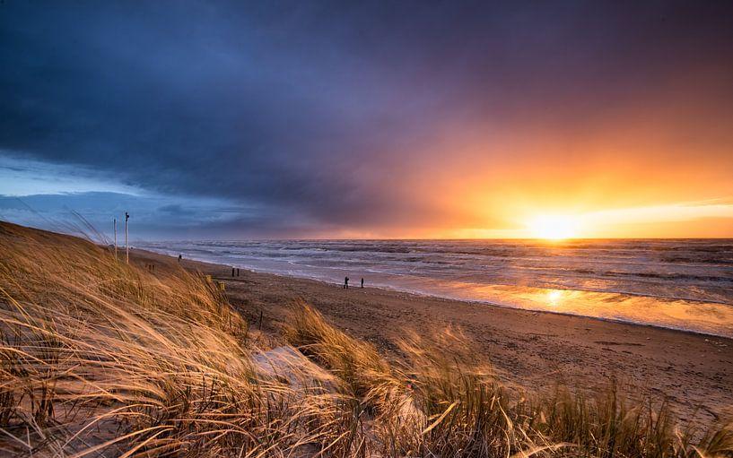 Stormy Sunset van Martijn Kort