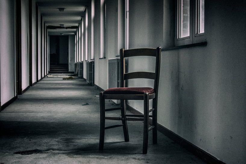 Lonesome chair von Mandy Winters