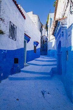 Blaue Straße in Chefchaouen von Koen Henderickx