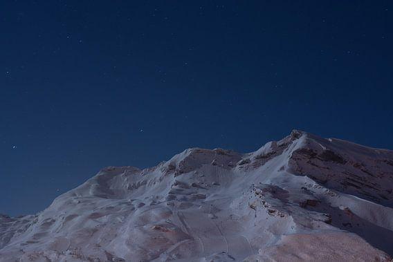 Bergen in wintersportgebied van  Digi Photo