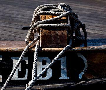 Detail van een oude vissersboot (Elburger Botter) van Anouschka Hendriks