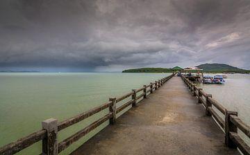 Dark clouds van Rob Uyttenbroeck
