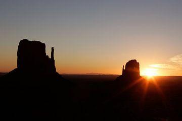 Sonnenaufgang im Monument Valley von Gerrit de Heus