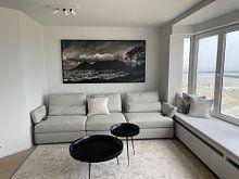 Klantfoto: De tafelberg bedekt in een wolkenpak, Kaapstad, Zuid Afrika. van Stef Kuipers, op canvas