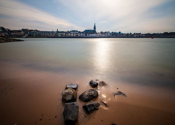 Gezicht op Nijmegen vanaf Lent