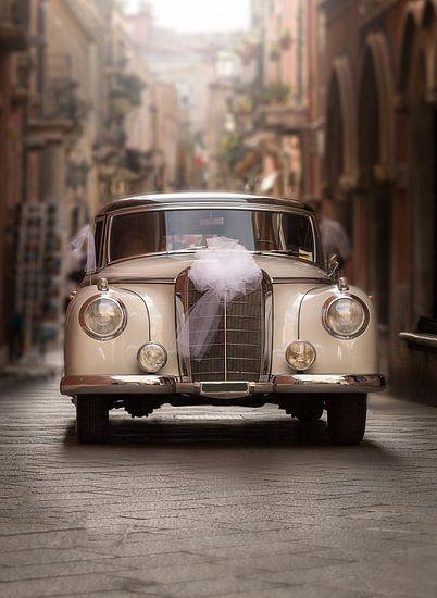 Hier komt de bruid... van Costas Ganasos