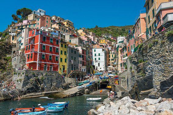 Riomaggiore, Cinque Terre, Italië van Richard van der Woude