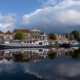 Panorama van het Binnen Spaarne in Haarlem, Noord Holland. van Martin Stevens