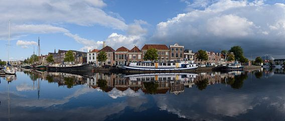 Panorama van het Binnen Spaarne in Haarlem, Noord Holland.
