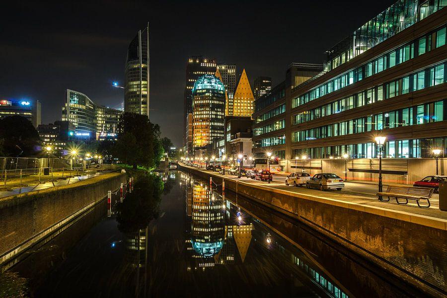 Den Haag bij nacht van Renate Oskam