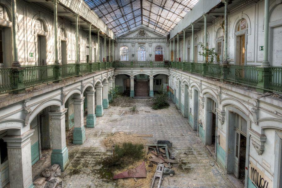Verlaten School van Herwin Wielink