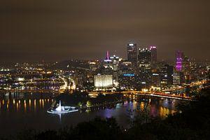 Pittsburgh - city of bridges by night