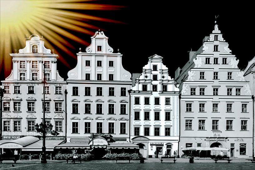 Surealistische kijk op vier middeleeuwse  gevels van huizen in Krakau vastgelegd in zwart-wit met ee van Rita Phessas