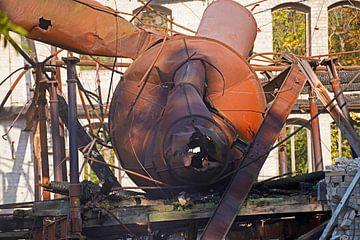 Afbraak van cycloonfilter in de oude graanschuur van Böllberger Mühle in Halle van Babetts Bildergalerie