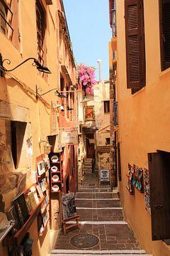 Enge charakteristische alte griechische Straße von Bobsphotography