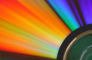 Colourful Disk II van Jan Pleiter