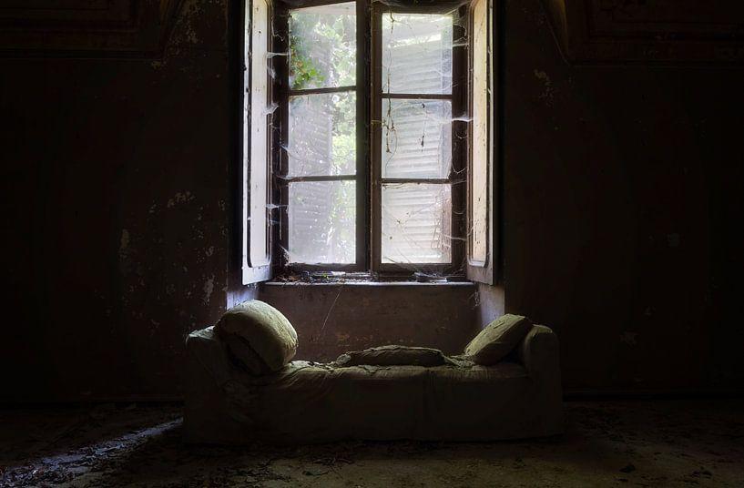 Licht auf dem Sofa. von Roman Robroek