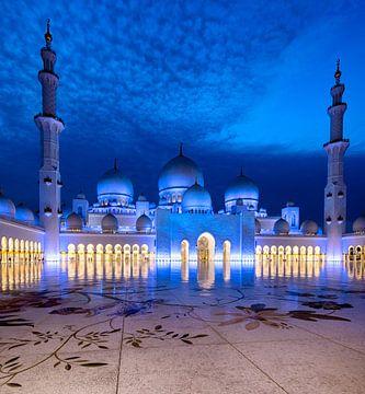 Blauer Himmel der Sheikh Zayed Mosque von Rene Siebring