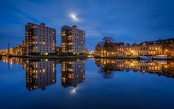 Volle maan boven de Groningen Oosterhaven sur Koos de Wit