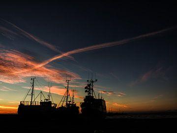 Ships at sunset van Lex Schulte