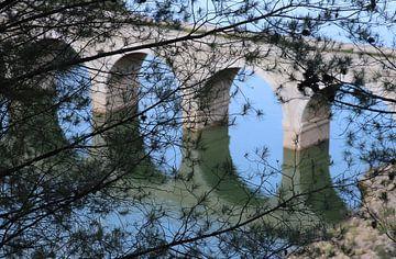 oude brug Iznájar Spanje van Jan Katuin