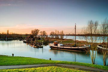 Historischen Hafen Woudrichem von Jan Koppelaar