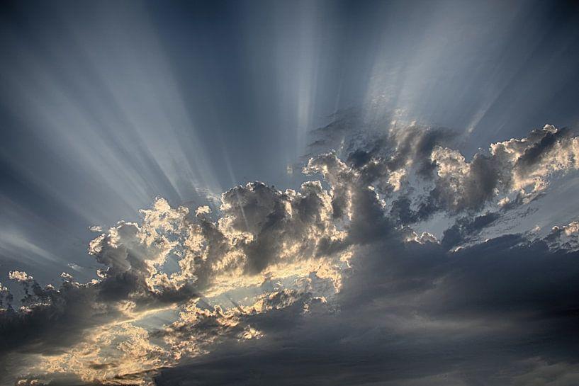 Het spel van licht in de wolken van Erich Werner
