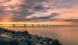 Zonsondergang bij de Zeelandbrug van