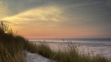 Zonsondergang boven Noordzee, gezien vanaf Terschelling van Jolanda Kleij