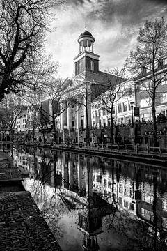 De Augustinuskerk in Utrecht in zwart-wit (staand) van De Utrechtse Grachten