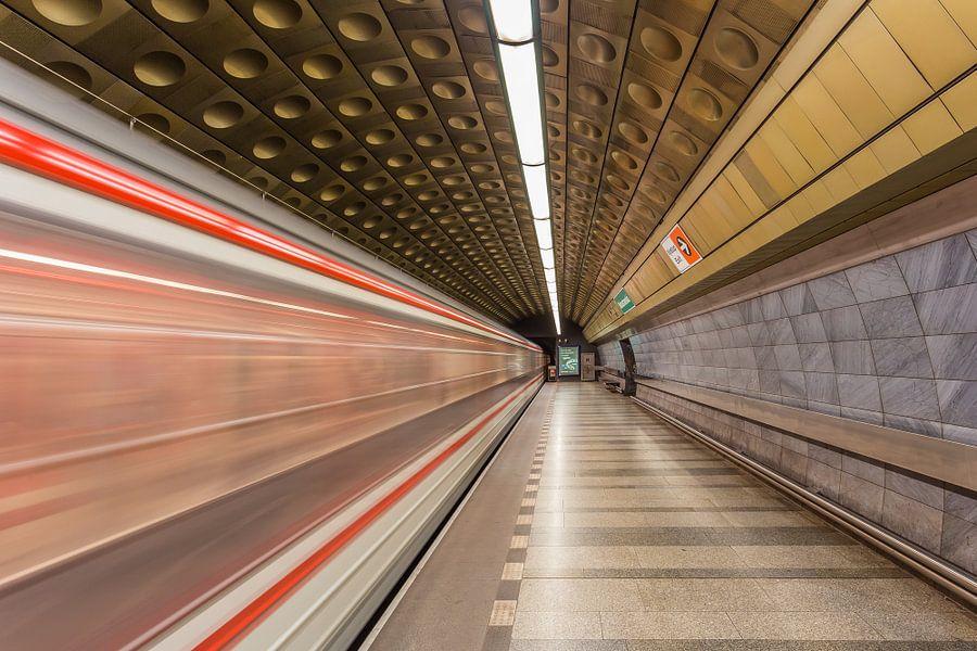 Malostranská metrostation in Praag, Tsjechië - 3 van Tux Photography