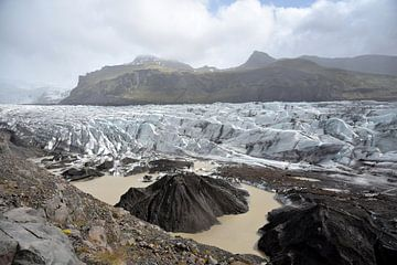 Gletsjerlandschap Svinafellsjokull, IJsland van Jutta Klassen