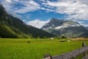 Sankt-Martin bei Lofer - Österreich am morgen van Ronald De Neve